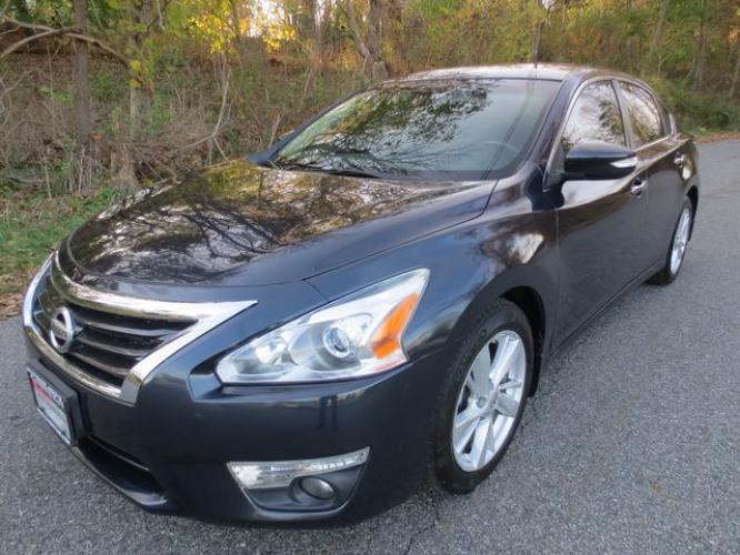 2014 Blue /Black Nissan Altima SV (1N4AL3AP0EC) with an 2.5L 4CYL engine, Automatic transmission, located at 270 US Route 6, Mahopac, NY, 10541, (845) 621-0895, 41.349022, -73.755280 - Photo #0