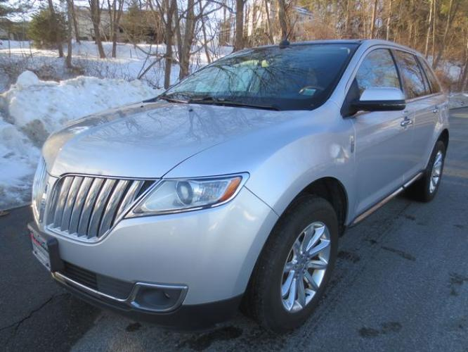 2015 Silver /Black Lincoln MKX (2LMDJ8JK0FB) with an 3.7L V6 engine, Automatic transmission, located at 270 US Route 6, Mahopac, NY, 10541, (845) 621-0895, 41.349022, -73.755280 - Photo #0